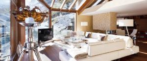 Wellnessbereich in einem luxuriösen Chalet